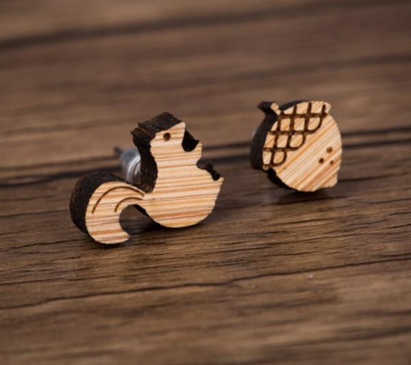 Ohrstecker aus Holz - Eichhörnchen