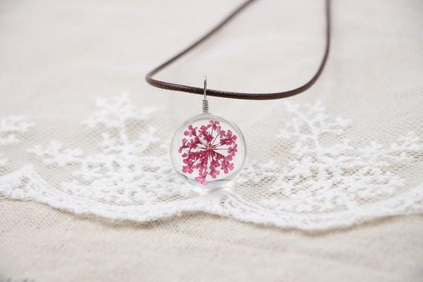Leder Kette Blume in runder Glaskugel - Pink