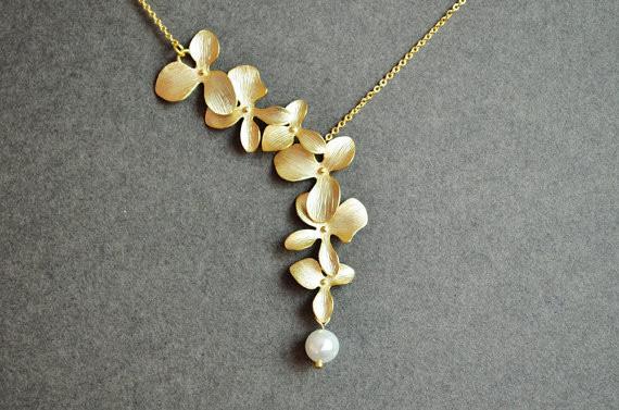 Gold Kette mit Blume und Perle