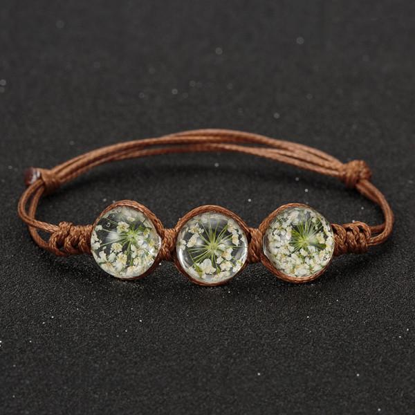 Armband braun, 3 echte Blumen - Weiss
